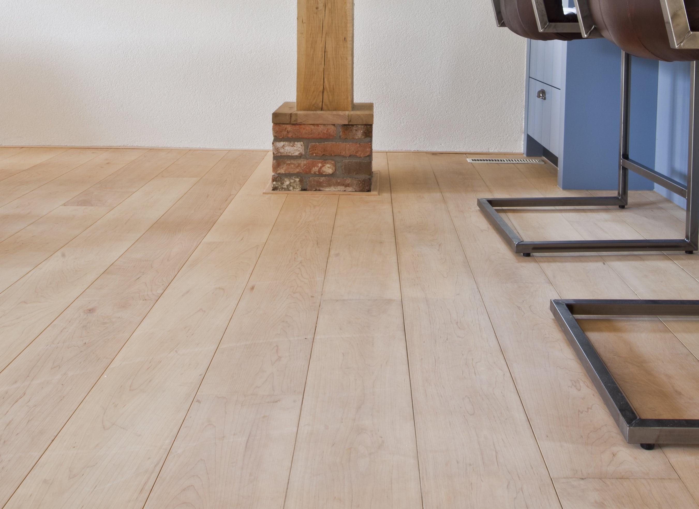 Leggen van een Duo plank - Vloerenbedrijf Bezema