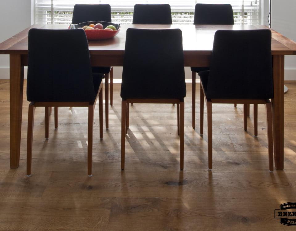 Leggen van Multiplank houten vloer naturel bruin - Vloerenbedrijf Bezema