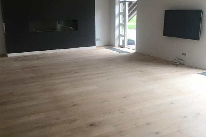 Schuren eiken houten vloer - Groningen - Vloerenbedrijf Bezema